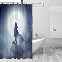 cortina de ducha de un lobo aullando